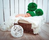 Cute newborn baby sleeps — Stockfoto