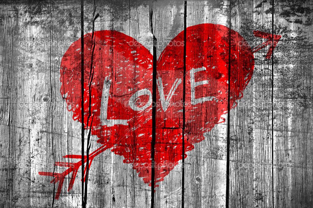 dessin d 39 un coeur avec le mot amour sur le mur en bois grunge photo 44282599. Black Bedroom Furniture Sets. Home Design Ideas