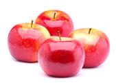 красные спелые яблоки — Стоковое фото