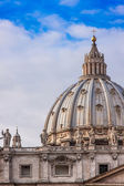 St. Peter's Basilica in Vatican City in Rome, Italy. — 图库照片