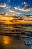 Dubai sea and beach, beautiful sunset at the beach — Stock Photo