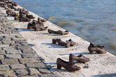 Shoes on the Danube, a monument to Hungarian Jews shot in the se — Stock Photo