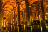Underground Basilica Cistern (Yerebatan Sarnici) in Istanbul, Turkey — Stock Photo