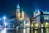 Iglesia de Santa María en la noche — Foto de Stock
