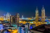 Dubai şehir merkezinde. Doğu, Birleşik Arap Emirlikleri mimarisi — Stok fotoğraf