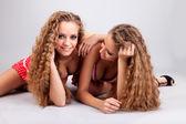 Dvě holky dvojčata — Stock fotografie