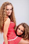 δύο κορίτσια δίδυμα — Φωτογραφία Αρχείου