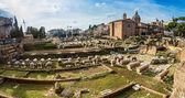 Roman ruins in Rome. — Stock Photo