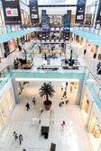 Vista interna del centro commerciale di dubai — Foto Stock