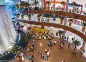 Waterfall in Dubai Mall — Stock Photo