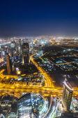 Dubai şehir gece çekimi — Stok fotoğraf