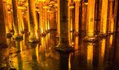 Underground Basilica Cistern (Yerebatan Sarnici) in Istanbul, Turkey. — Stock Photo
