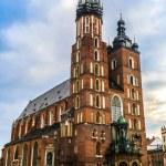 Krakow old city at night St. Mary's Church. Krakow Poland. — Stock Photo #45336775