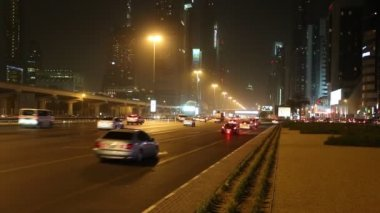 Ansicht der sheikh zayed road wolkenkratzer in dubai — Stockvideo