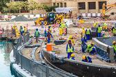 Male construction worker in Dubai — Stock Photo