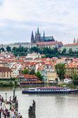 在布拉格的 karlov 或查尔斯桥 — 图库照片