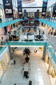 Interiör bild av dubai mall — Stockfoto