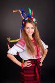 Donna indossa abito nazionale ucraino — Foto Stock