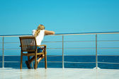 Looking at the sea — Stock Photo