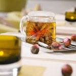 Fresh green tea in a pot — Stock Photo #46497227