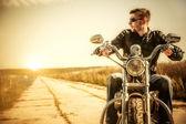 バイクに乗る人 — ストック写真