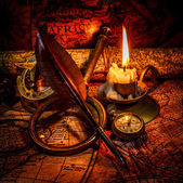 Vintage still life. Vintage items on ancient map. — Foto Stock
