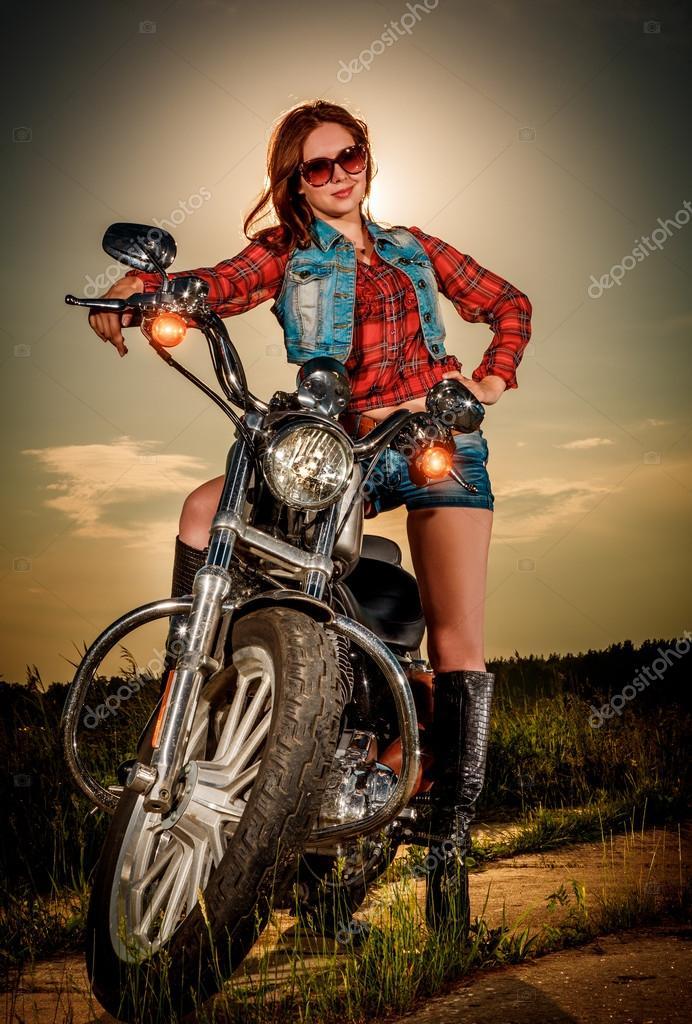 Фото девушки байкеры скачать