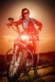 Motos y moteros chica — Foto de Stock