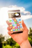 Smartphone con schermo trasparente in mani umane. — Foto Stock