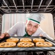 Chef cooking in the oven. — Foto Stock