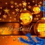 クリスマスの背景にボール、fir 支店 — ストック写真