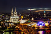 View of Cologne and the Cologne cathedral in the night from height — Stock Photo