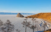 Look and Shamank rock on the island of Olkhon on Lake Baikal in Russia — Stock Photo