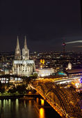 View of Cologne and the Cologne cathedral in the night from height of bird's flight — Stock Photo