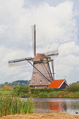Windmill in Kinderdijk, Holland — Stock Photo