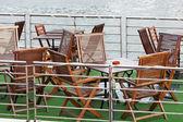 Sommercafé auf dem deck des schiffes in paris zu fuß — Stockfoto