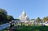 Sacre coeur bazilikası'na yaz gün. — Stok fotoğraf