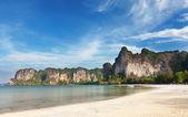 Sand beach on Rayleigh's peninsula, Krabi, Thailand — Stock Photo