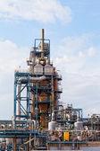 上空の背景の大きい石油精製所のビュー — ストック写真