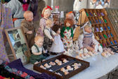 "BELGIUM, BRUGES, SEPTEMBER 29: Toys in ""Flea market"" in Bruges, Belgium. Bruges the main town of the Belgian province the Western Flanders. One of the most picturesque cities of Europe. — Stock Photo"