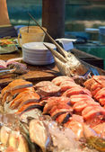 Sale is fresher than fish in the fish market in Thailand — Stock Photo