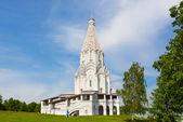 Namiot wyjątkowy kościół w parku kolomenskoe można jeździć w moskwie — Zdjęcie stockowe