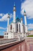 Qol-scharif-moschee in kazan, russland gegen den schönen himmel — Stockfoto