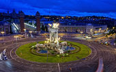 Espanya Square in Barcelona and National Palace at night — Stock Photo