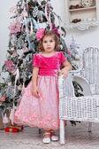 Chica en vestido rosado — Foto de Stock