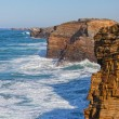 Waves break about rocks, the Atlantic Ocean at the coast of Portugal — Stock Photo