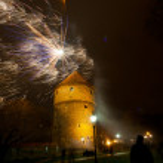 New Year's fireworks near Kiek in de Kok tower in Tallinn, Estonia — Stock Photo #38786071
