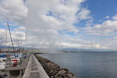 View of city of Geneva, the Leman Lake and the Water Jet, in Switzerland, Europe — Stock Photo