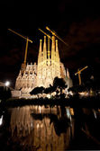 Basilica of La Sagrada Familia at night — Stock Photo