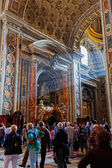 People in St Peter's Basilica — Stock Photo
